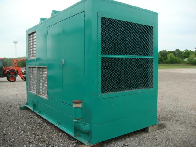 Cummins 6000DFGB, 600 KW, Enclosed