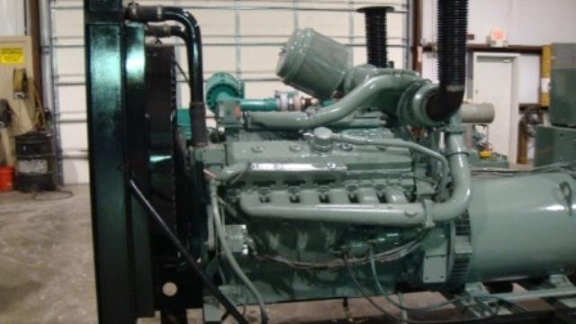 Detroit Diesel 12V-71T, 415 KW, Enclosed