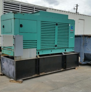 Low Hour Cummins 400kW Generator Set