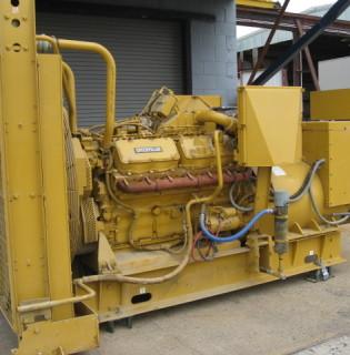 Low Hour Caterpillar 700kW Generator Set