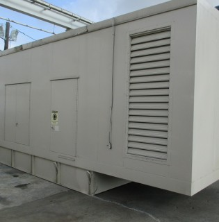 Good Used Cummins 800kW Generator Set