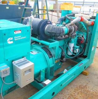 Low Hour Cummins 200kW Generator Set