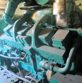 Low Hour Cummins 750kW Generator Set